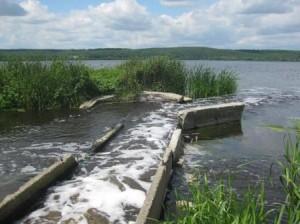 Грязные сточные воды стекают прямо в Воронежское водохранилище